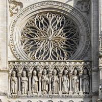 padrão-na-catedral-de-Notre-Dame-1